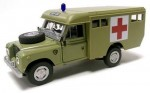 Land Rover Defender 109 ambulance military Cararama 1:43