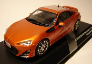 Toyota 86 TRD Performance Line orange metalic Kyosho 1:43