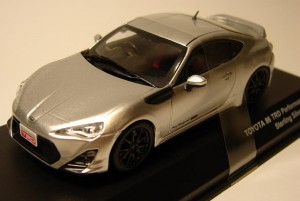 Toyota 86 TRD Performance Line sterling silver metalic Kyosho 1:43