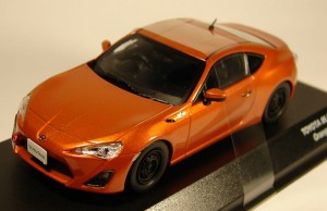 Toyota 86 Racing orange metalic Kyosho 1:43
