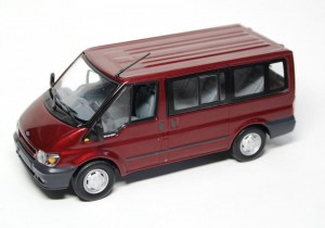 Ford Transit Tourneo Bus 2001 Minichamps 1:43