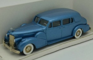 Cadillac V16 1938-1940 blue Rextoys 1:43