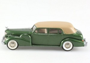 Cadillac V16 Coupe de Ville 1938-1940 green Rextoys 1:43