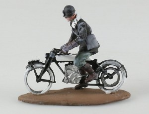 Rudge Italian Despatch Rider 1915 Triciolo Miniatures 1:32