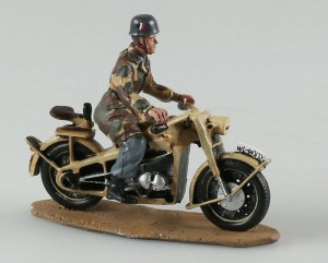 Spadochroniarz Luftwaffe, Zundapp KS-750 Triciclo Miniatures 1:32