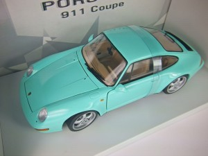 Porsche 911 993 Coupe 1997 UT Models 1:18