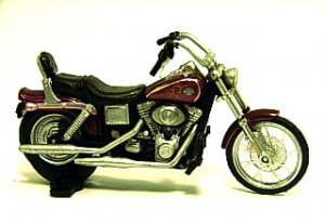 Harley Davidson Dyna Wide Glide dark red 1:43