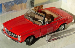 Mercedes-Benz 280SL Roadster open Cararama 1:43