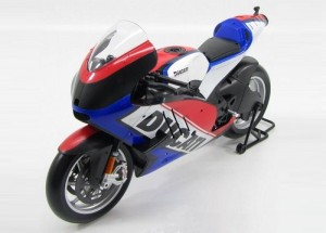 Ducati Desmosedici World Cycle Series 2011 blue/red Maisto 1:6