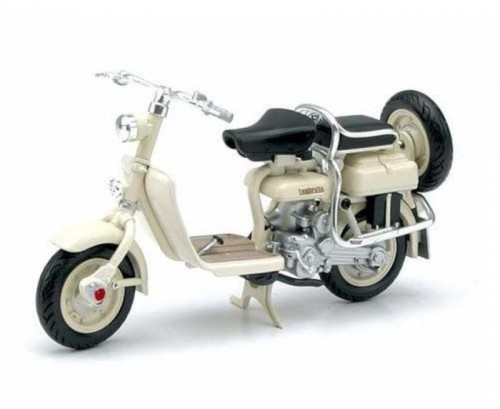 New Ray 42475 metalowy model motocykla Lambretta 125D.jpg